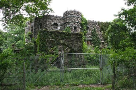 best haunted houses in ct danbury accepts bids to preserve connecticut s oldest castle history connecticutmag com