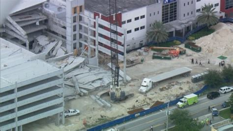 Miami Dade College Garage Collapse by College Parking Lot Collapse Kills 3 Pictures