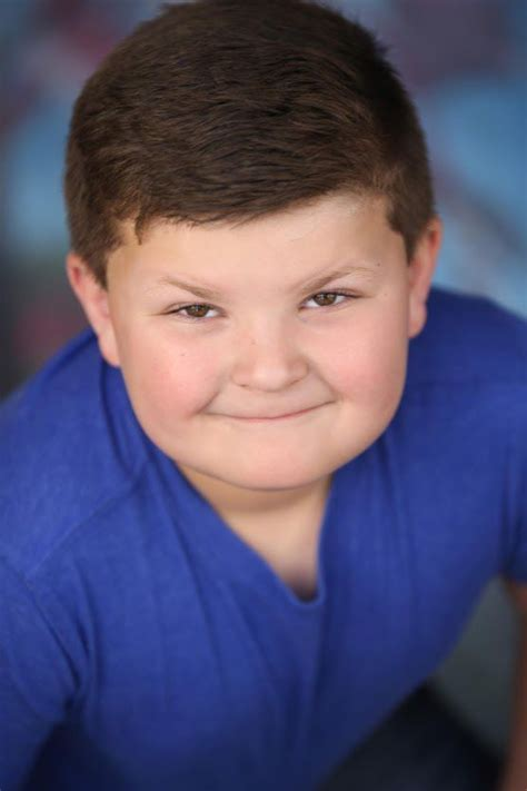 how old is actor young sheldon young north ridgeville resident stars in tv show young