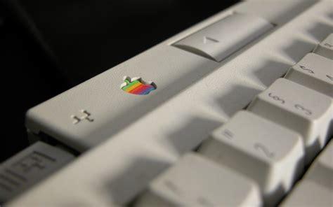 wallpaper mac keyboard retro mac wallpaper 180751
