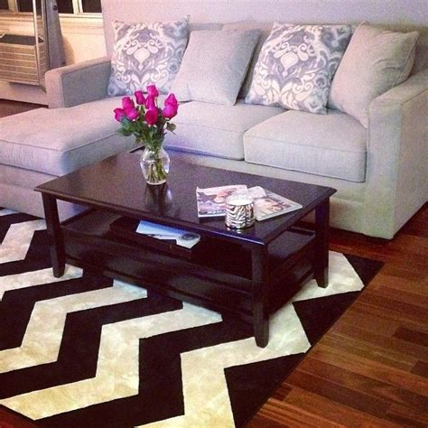 chevron rug living room i want that rug home decor ideas pinterest rugs