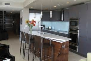 Kitchen Wall Color With Wood Cabinets