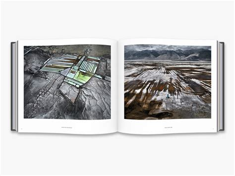 libro edward burtynsky essential elements edward burtynsky essential elements