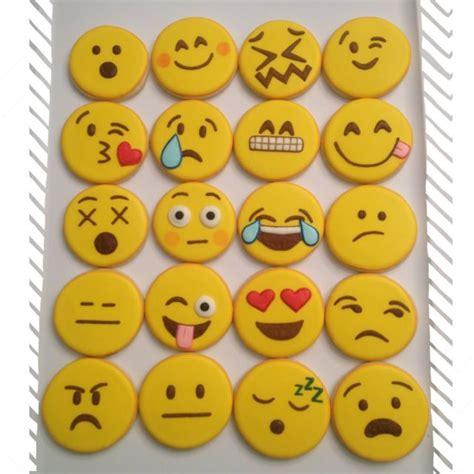 cookie emoji emoticon cookies sugar cookies pinterest emoticon