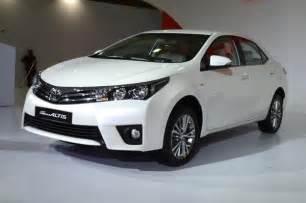 toyota corolla new car price new toyota corolla altis versus rivals price comparison