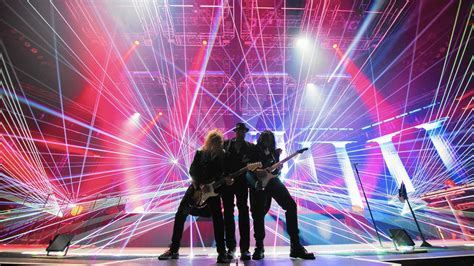 trans siberian orchestra fan trans siberian orchestra resurrects ghosts at