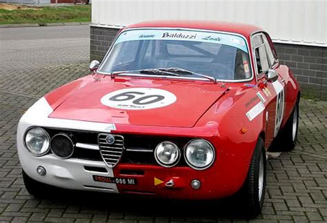 alfa romeo 1750 race car in 2 motorsports