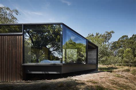 branch studio architects extends family home with a