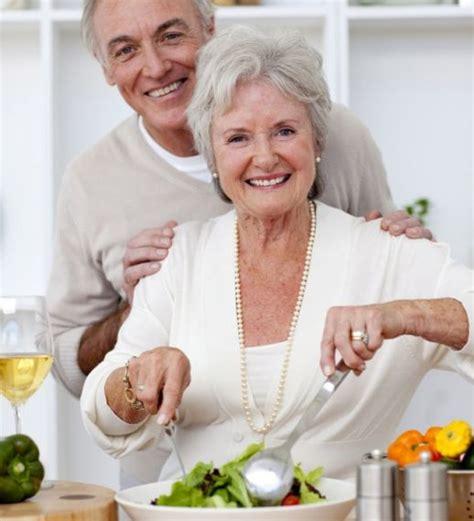 giusta alimentazione in comunicare agli anziani una giusta alimentazione
