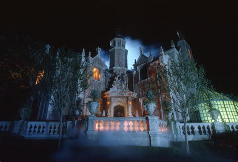 haunted mansions disney world orlando presents new haunted mansion queue