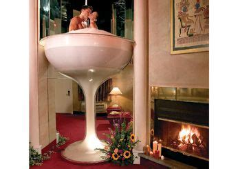 martini glass bathtub hotel cove haven pocono palace east stroudsburg pa world s