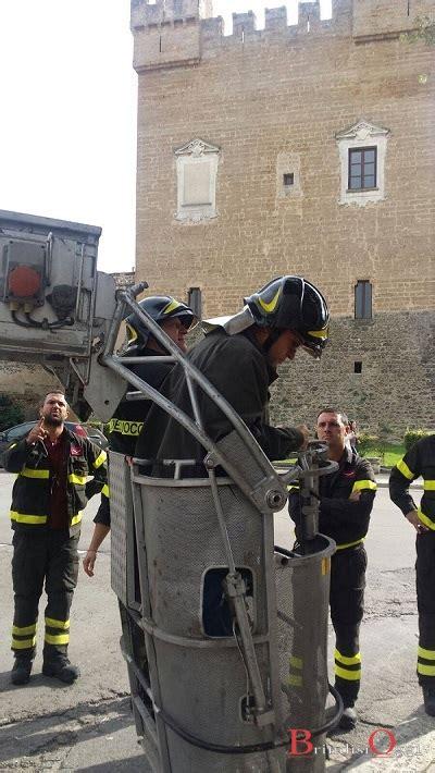 comune di molfetta ufficio tecnico cade a pezzi la statua della madonna in villa comunale