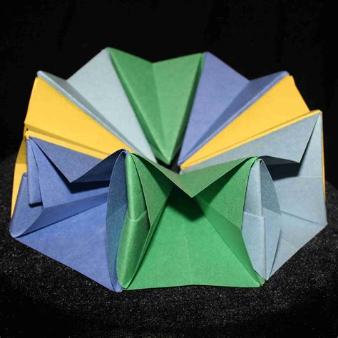 Origami Circle Box - origami by