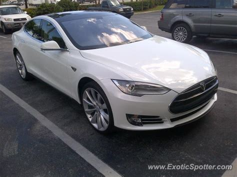 Tesla Dania Tesla Model S Spotted In Dania Florida On 10 18 2012