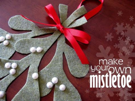 Origami Mistletoe - 10 diy felt ornaments