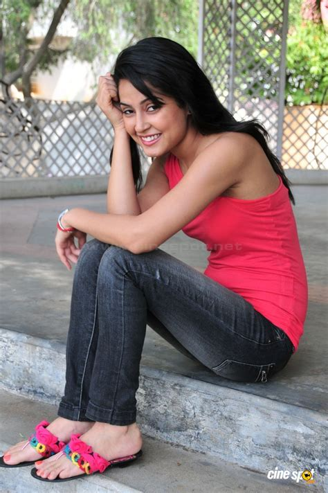south actress disha disha pandey actress photos 20