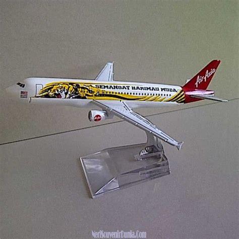 Jual Souvenirs Asbak Malaysia miniatur pesawat semangat harimau muda malaysia