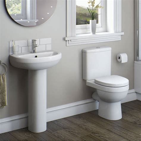 On Suite Bathrooms In Small Spaces by Bathroom Products For Small Spaces Victoriaplum