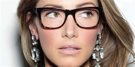 Hair Style Kit Mensa by Brown S Makeup Tips For Glasses Wearers