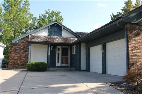houses for rent in lees summit mo house for rent in 801 ne fairway homes ct lees summit mo