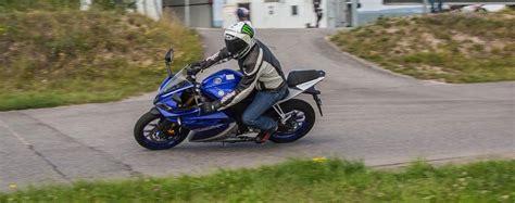 Motorrad 125er Yzf by 125er Vergleich Yamaha Yzf R125 Test Auf Der Rennstrecke