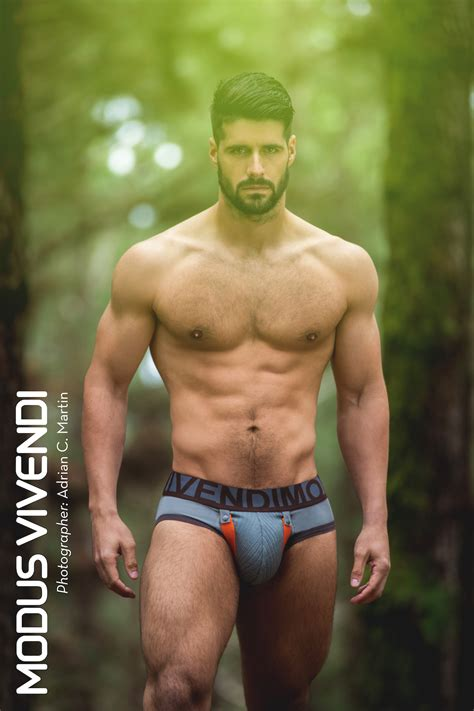 hombres bailando perreo super mega gayy modus vivendi releases the bear collection underwear