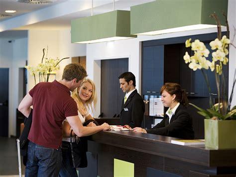 work as receptionist in hotel euspert