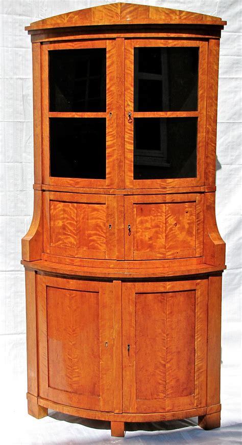 eckschrank birke biedermeier eckschrank vitrine in birke berlin um 1820