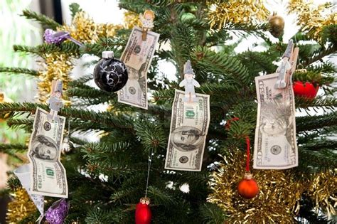 giving the gift of financial well being at the holidays