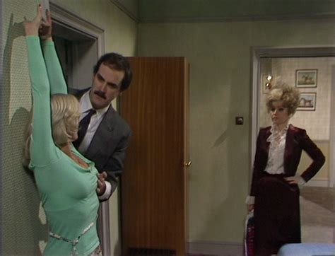 actress who played polly in fawlty towers luan peters john cleese and prunella scales in the fawlty