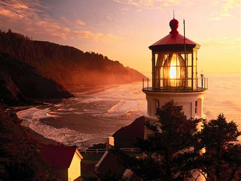 Heceta Head Lighthouse At Sunset Oregon Lighthouses Lights Oregon
