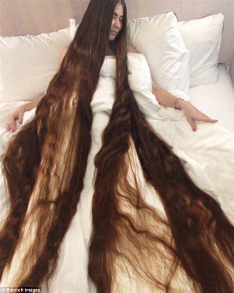 how much does braids weigh rapunzel fan aliia nasyrova has hair 90 inches long