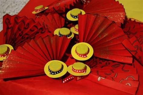 decoration espagnole maison eventail et sombrero fabrication maison