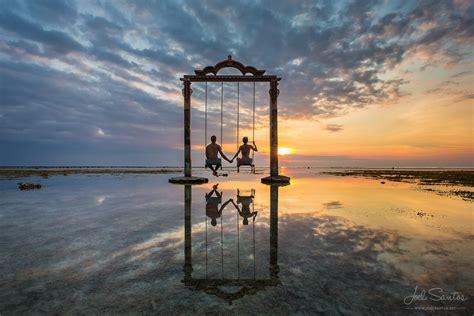 fotos swing ocean swing gili trawangan lombok indonesia joel