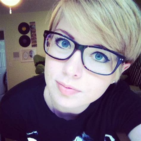 pixie cut with bangs glasses google search hair styles 17 best images about girls with glasses on pinterest