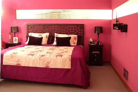 cranberry bedroom ideas dipped in cranberry monochromatic rooms