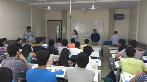 Mba From Mithibai College seminar on mba as a career option at mithibai college