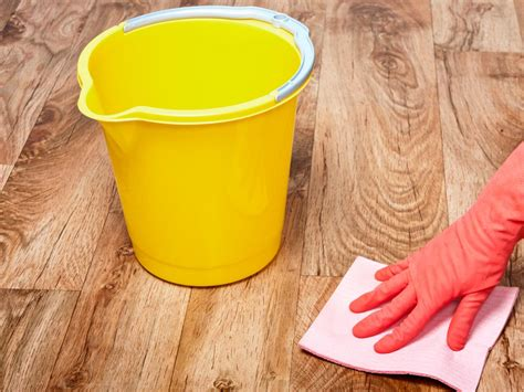 How To Stain A Hardwood Floor How Tos Diy