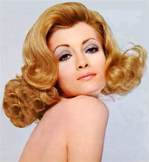hair styles with flips for women a big and sexy blonde flip flipping blondes and vintage
