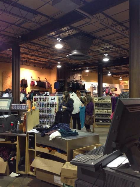 clothing stores in houston clothing stores