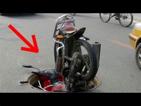motorcycle hits deer 85 mph helmet cam motorcycle vs deer crash yamaha r1 cuts deer in half