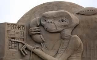 et nach hause telefonieren news sand sculptures