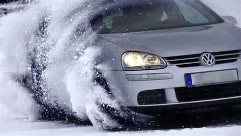 Feuchtigkeit Im Auto Gefriert by Verhaltensregeln Bei Eis Und Schnee So Fahren Sie Im