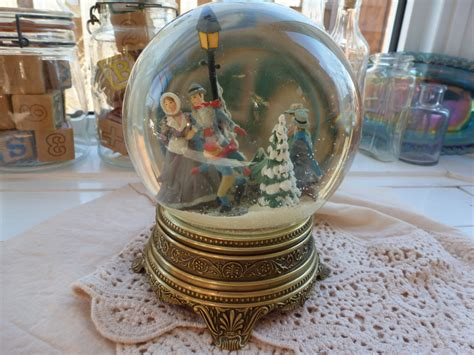 vintage christmas snow globe music box 1988 by curranstudios