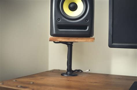 bookshelf speaker desk attached stands budgetaudiophile
