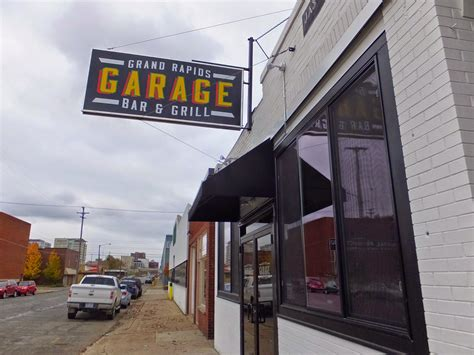 Garage Bar And Grill by Eatingourwaythroughgrandrapids Garage Bar And Grill 819