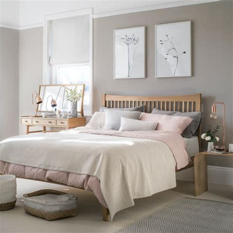 Taupe Bedroom Decor by Get Timeless Style With Beautiful Basics Blush Pink