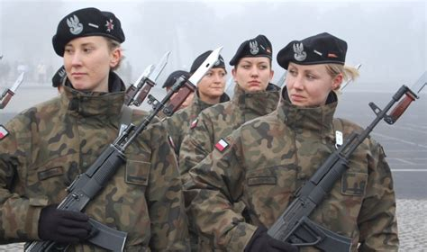 poland wants to double its army size against the russian