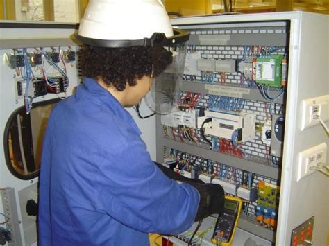 high voltage electrical courses why high voltage courses are vital to hv operators
