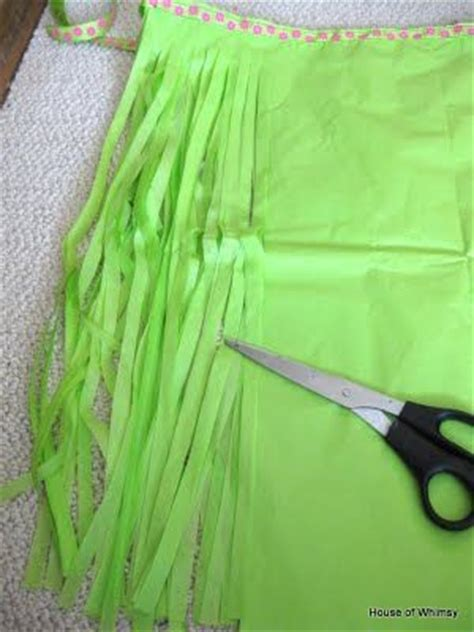 How To Make Grass Out Of Tissue Paper - diy grass skirt for a costume out of tissue paper or